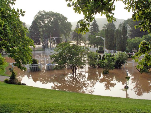 flood06 14 72dpi.jpg