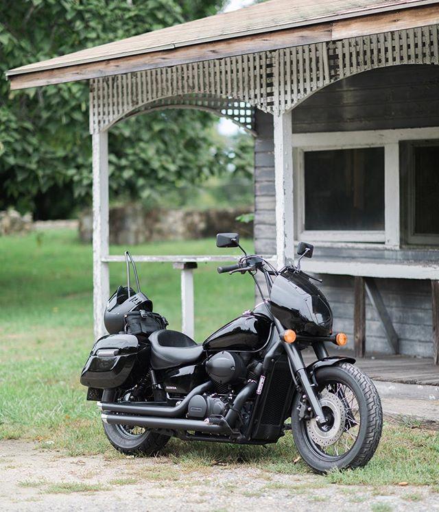 . . . . . #hondashadow #motorcycle #ridemotorcycleshavefun #adventurerig #teamcanon #5dmarkiv