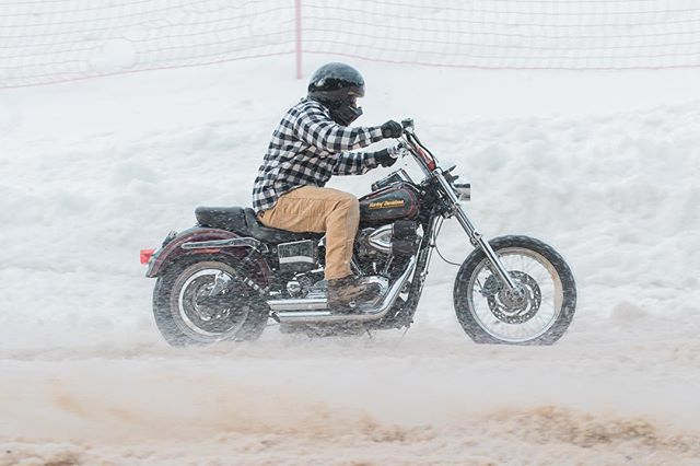 Wintah coming in hot 🌨💨 bummed I won't be there but if your in NY check out the @appmotojam on February 9th. Also if you haven't already check out the link in my bio, did a major website overhaul this weekend! . . . . #ridemotorcycleshavefun #appmotojam #motorcyclehillclimb #moto @harleydavidson #harleydavidson #dyna #biltwell