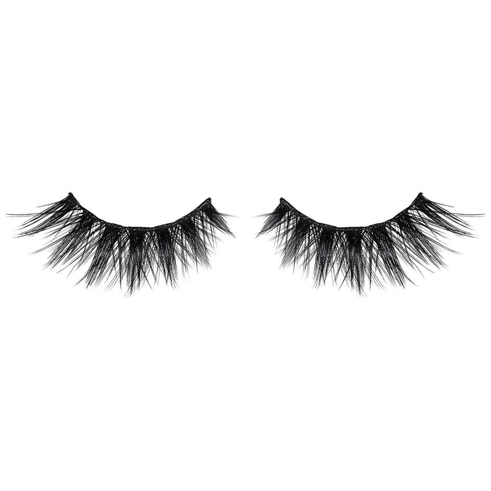 Huda Beauty Classic Lash Samantha #7 €18 thebeautyeditor.com