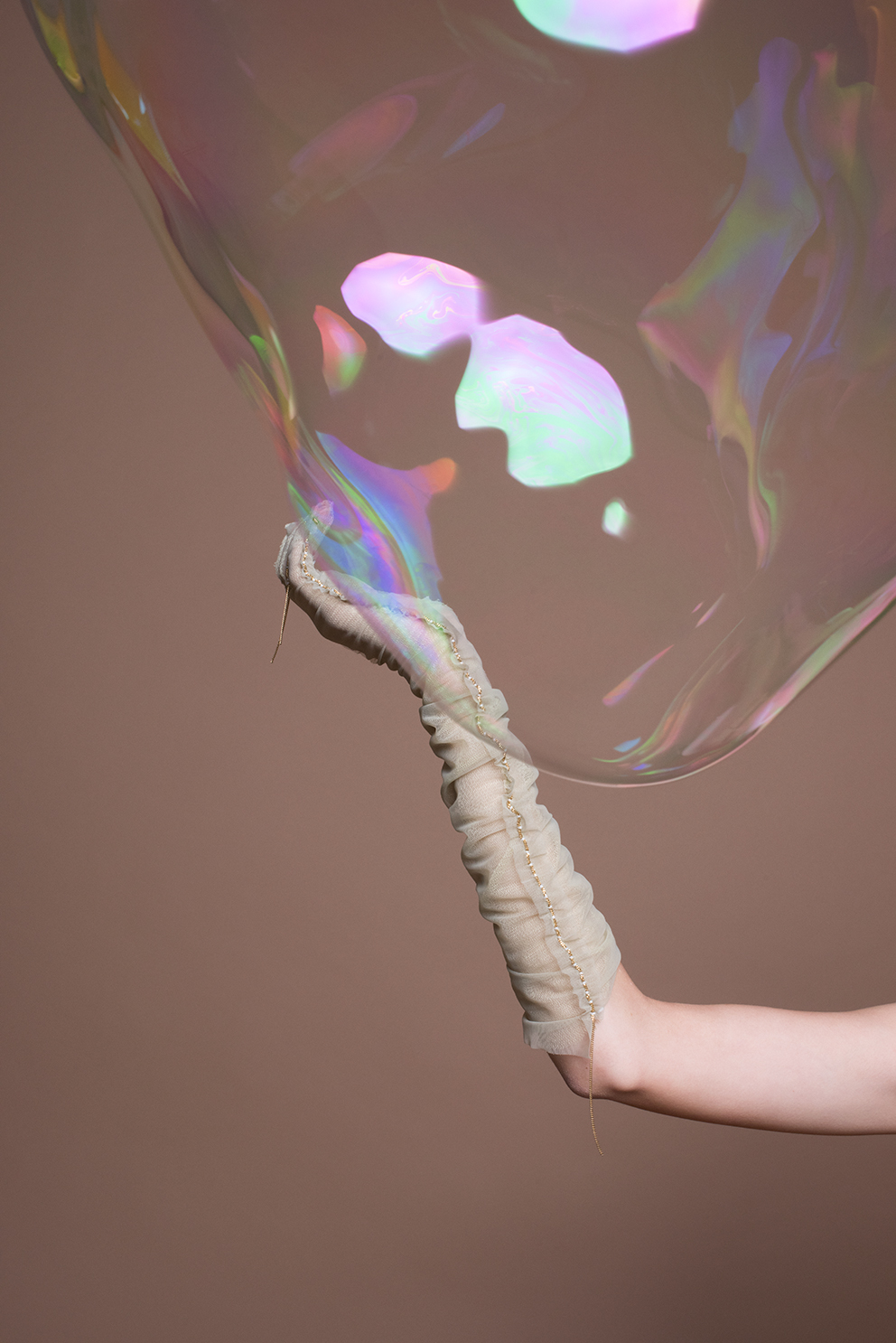 imke-panhuijzen-the-golden-bubble-10-lr.jpg