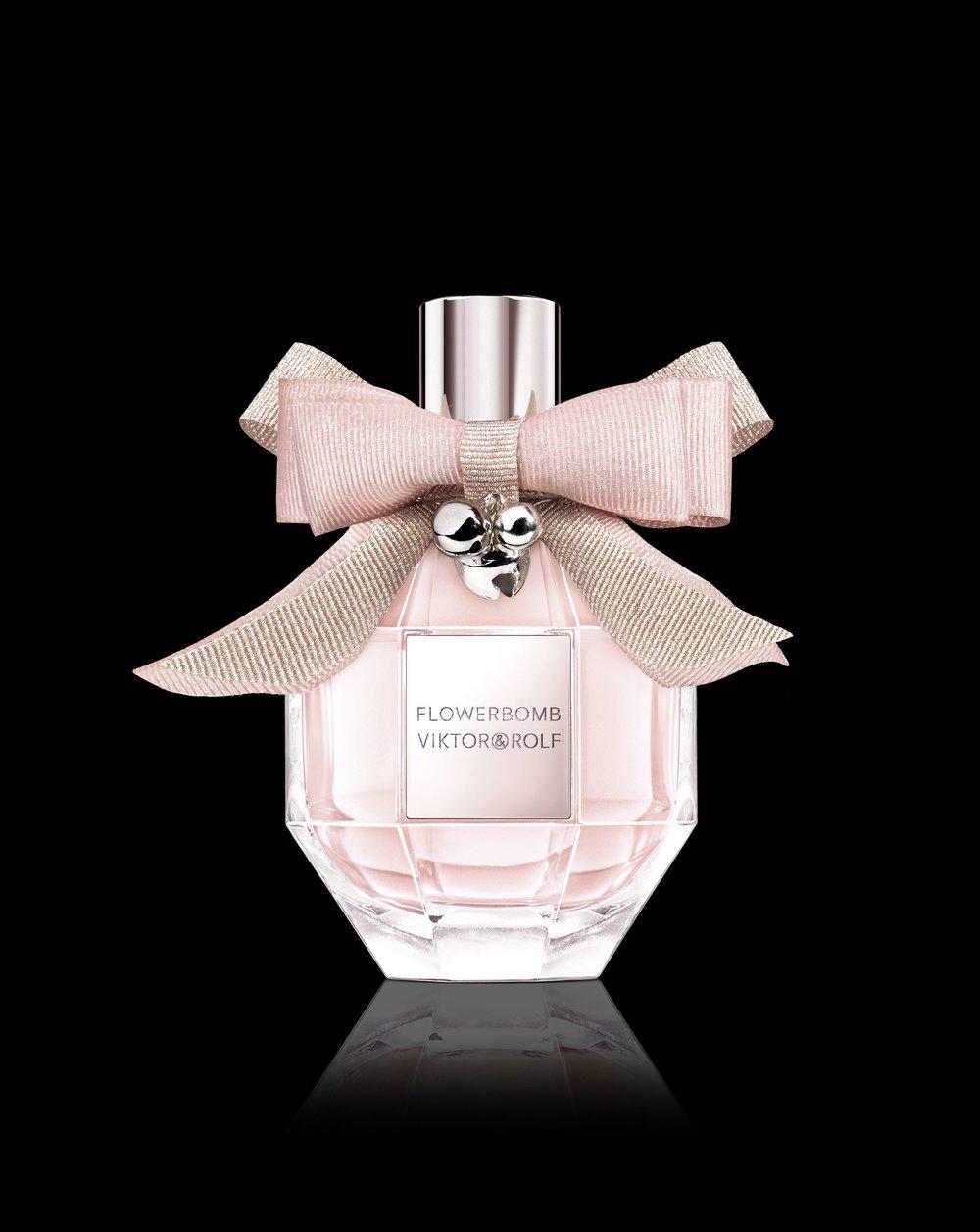 flowerbomb_eau_de_parfum_christmas_edition_2018_-_1_packshot.jpg