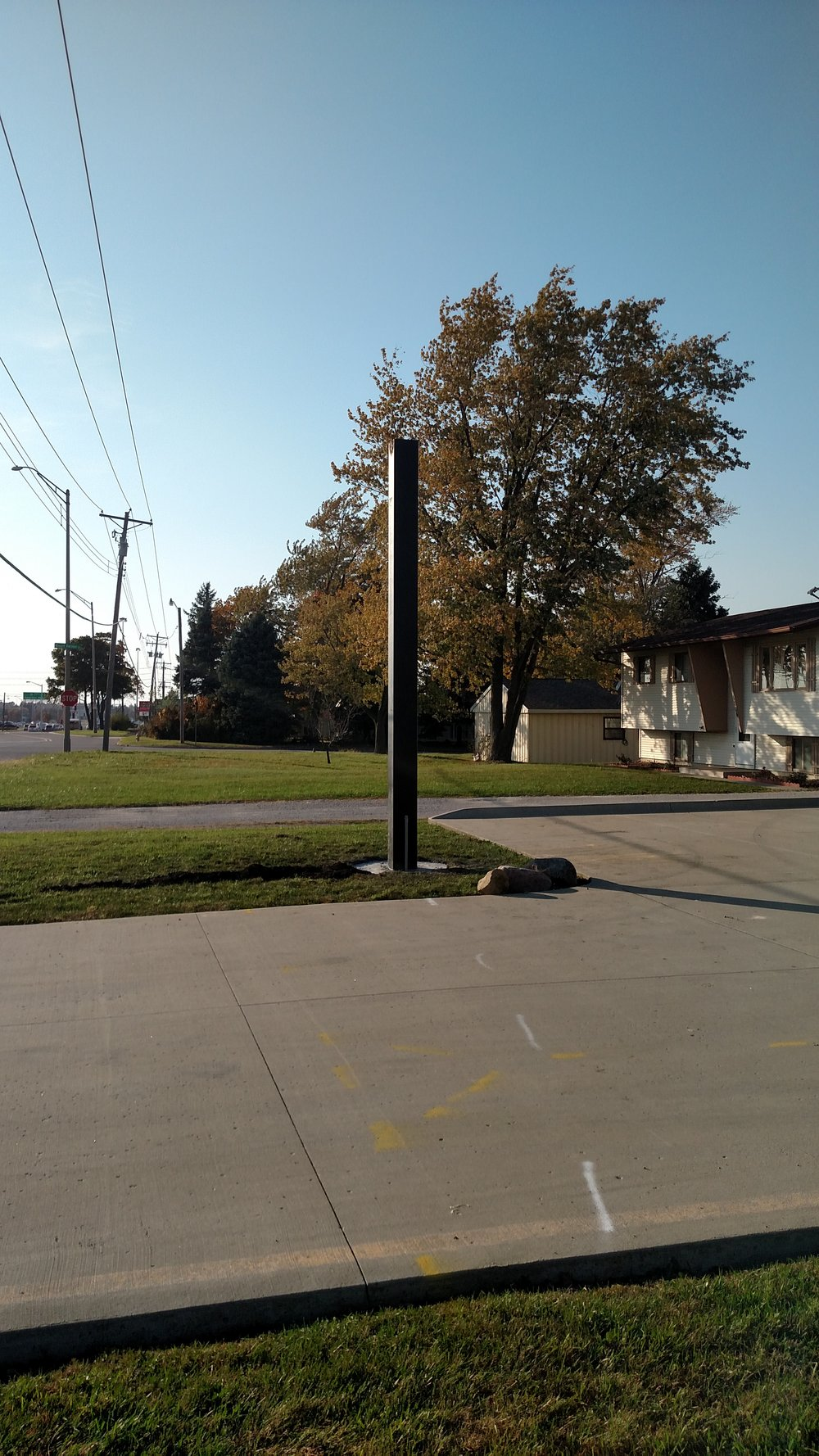 Sign pole installed, thanks to IL Prairie Electric!