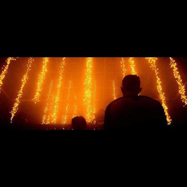 Wonderland. 12.19.2017. #soundstage #christmas #snow #fire #burning #glow #atmosphere #haze #silhouette #lines #falling #orange @asymmetricmagazine @broadmagazine #ihaveathingforshadows #ucla #thesis #lightroom #vscocam #lookup