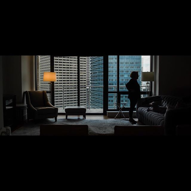 Move In. 2.04.2018. • • • • • #cinematography #film #ucla #uclatft #tungsten #daylight #skyscraper #cityphotography #silhouette #leadinglines #lines @somewheremagazine @broadmagazine #teal #scooby #availablelight #archcitecture #boston #harvard #oldstatehouse #vsco #vscocam #lightroom #mycanonstory #apartment #ihaveathingforshadows #myfeatureshoot #somewhere #intheheights