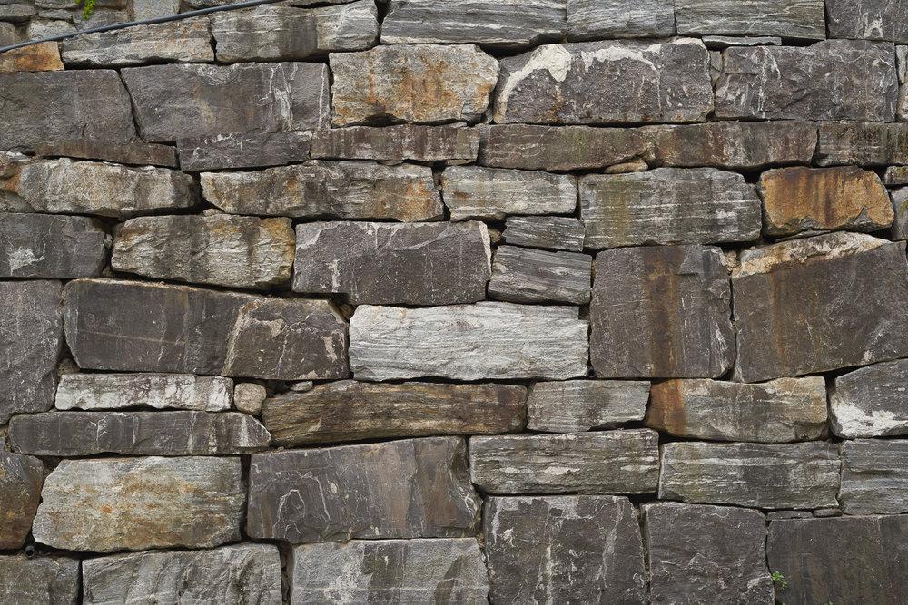 StoneWall-2227.jpg