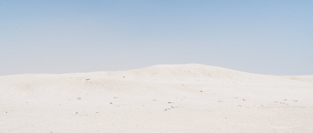 Kuwaiti Desert - Clean lines. Simple, low contrast image