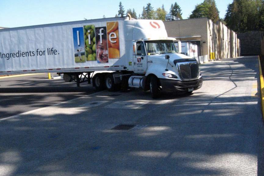 parkinglot-truck-safeway-PuyallyupWA.png
