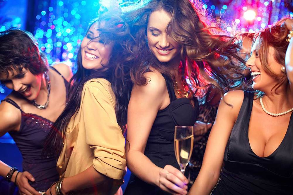 Fashion style Wear to what to a vegas nightclub for woman