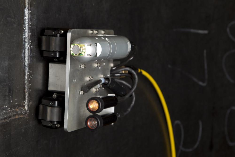 Versatrax 100 MicroMag™ Magnetic Crawler