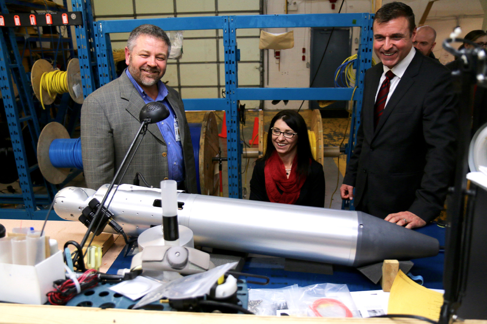 Inuktun VP shows Inuktun technology to Minister Stillwell and Parliamentary Secretary Kyllo
