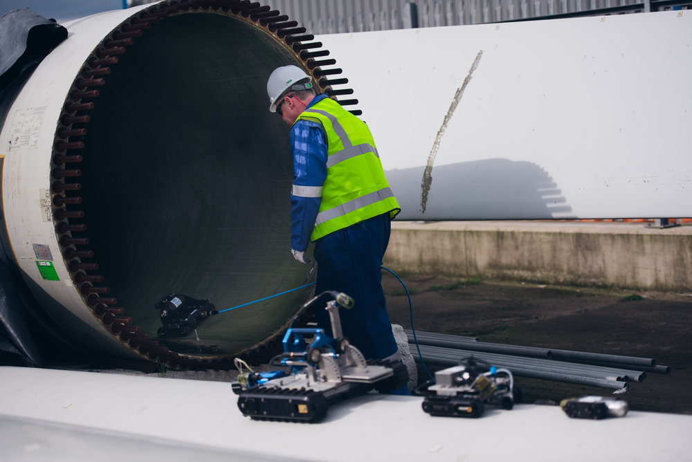 ATAM Group MD Mark Loades sends the MaggHD™ into a turbine blade at ORE Catapult. Image source: TMS Media