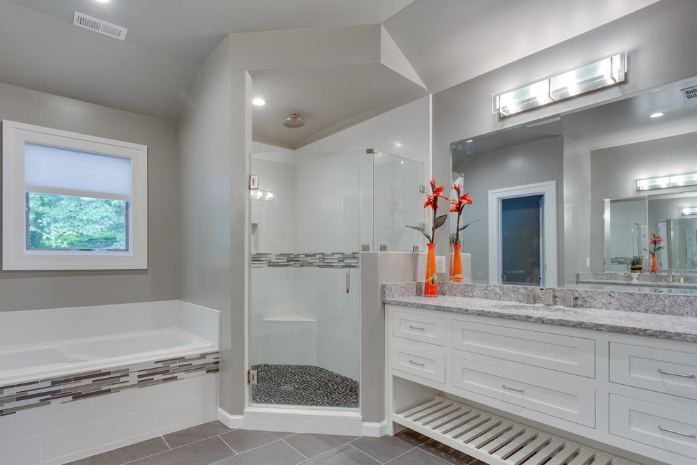 4033 22nd St N Arlington VA-large-032-Master Bath-1500x1000-72dpi.jpg