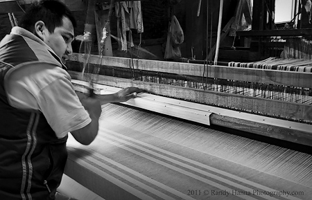 Loom in action Nikon D3s, 24-70 zoom @40mm, ISO 320, 1/15 sec @ f/8.0