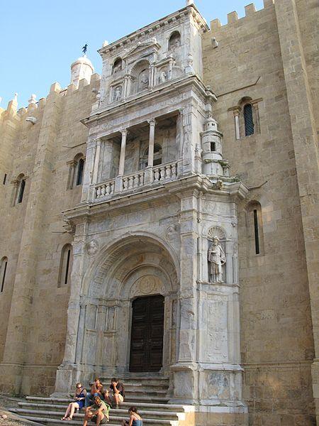 450px-CoimbraCathedral-PortaEspeciosa.jpg