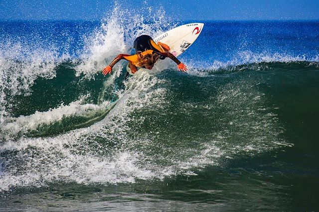 This kid just brought some serious East Coast thunder to the NSSA's National Middle School Championships down at Salt Creek. 13 years old and standing on top of a national contest winner's podium is pretty radical. Big ups Robbie!! 📸 @rickyrkphoto  #equipped2rip #j7surfboards