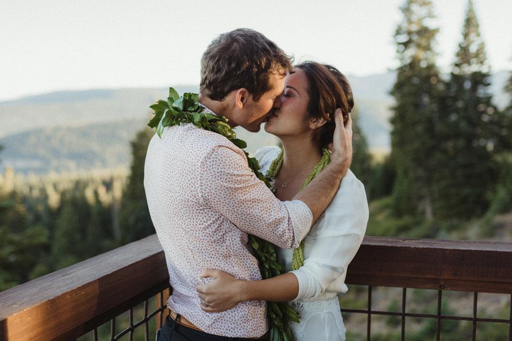 North Tahoe Lodge wedding couples sunset photo