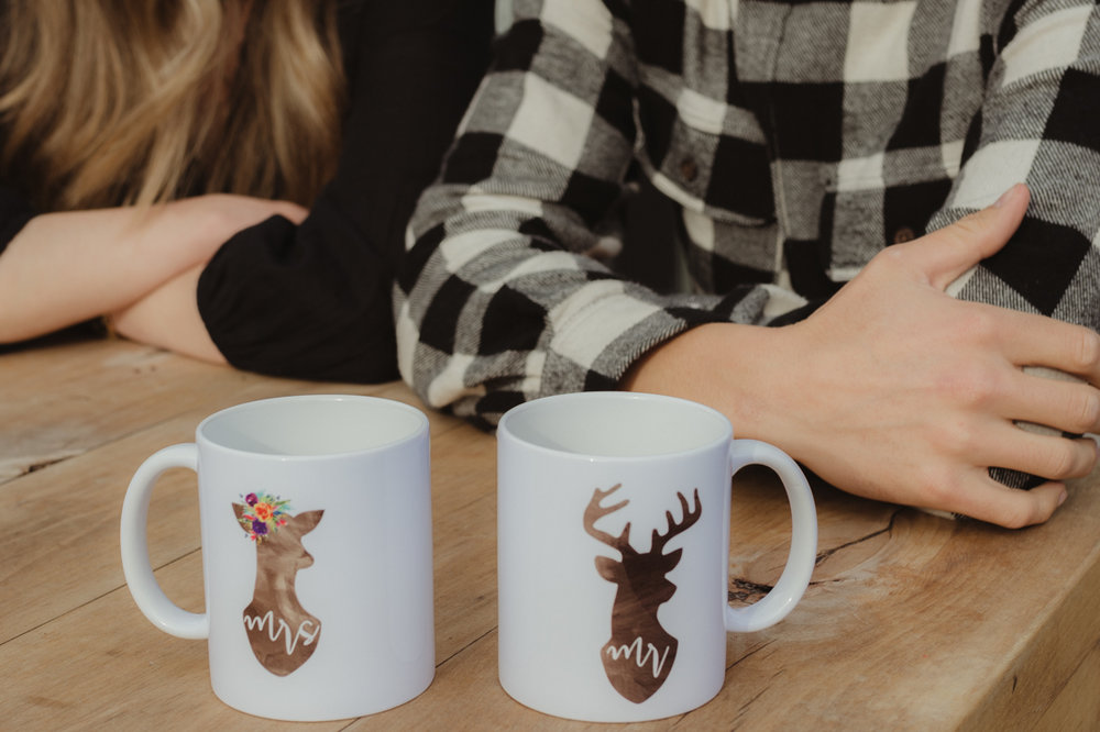 Wedding gift idea- photo of mugs that say Mr. and Mrs.