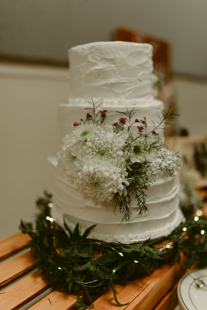 Vacaville wedding cake photo