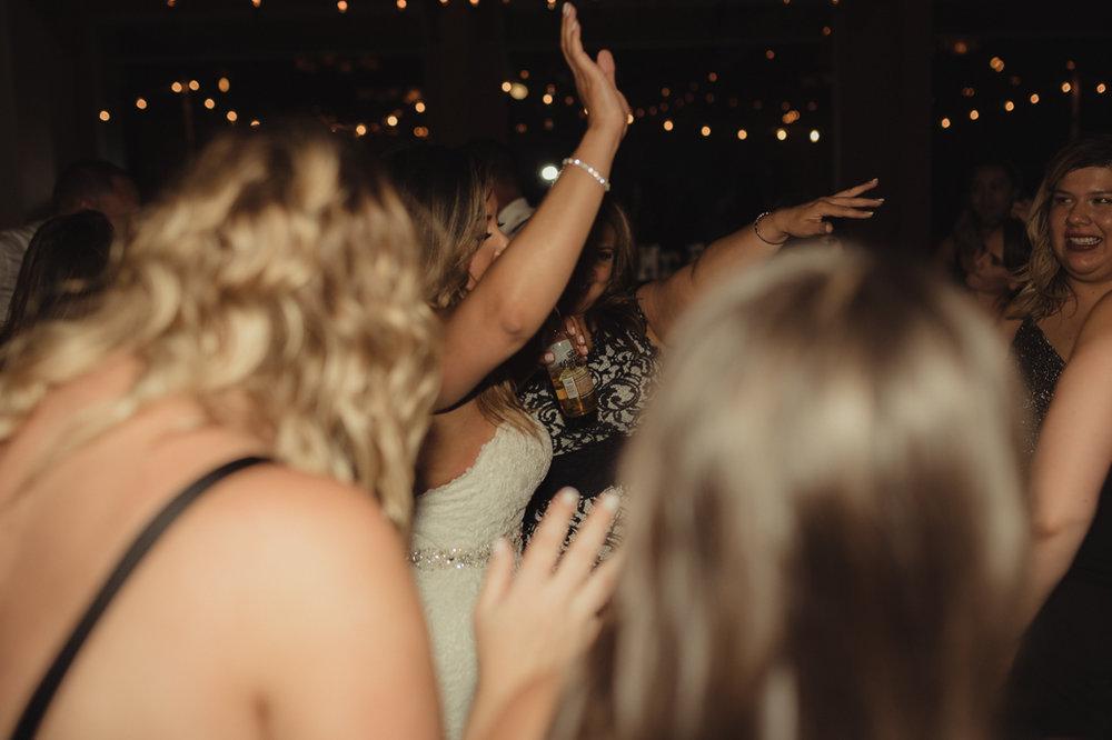 Tannenbaum wedding guests dancing photo