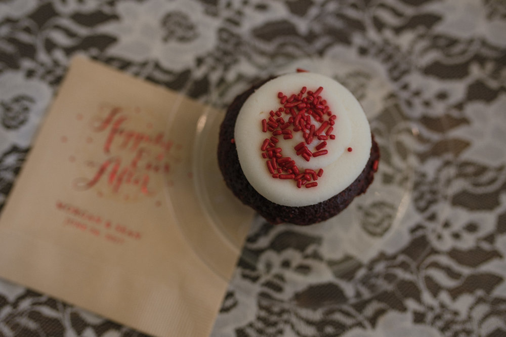 Wilbur D May Museum wedding, cupcake photo