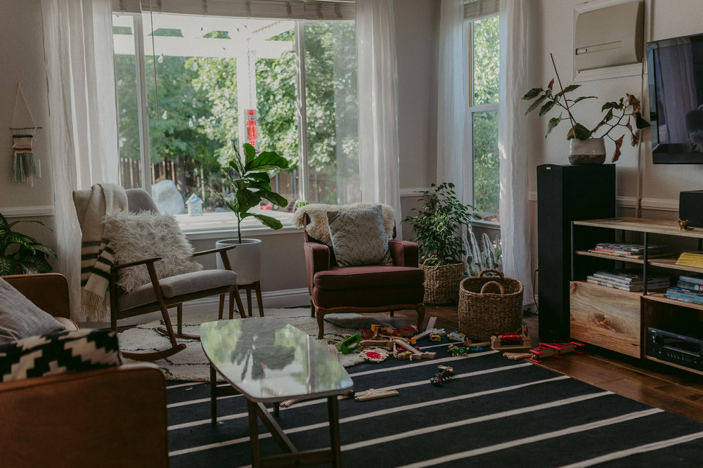 Reno family session home school decor ideas living room photo
