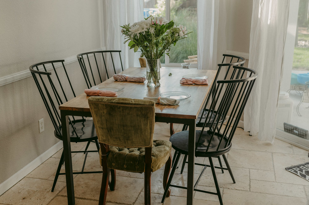 Reno family session home kitchen table photo