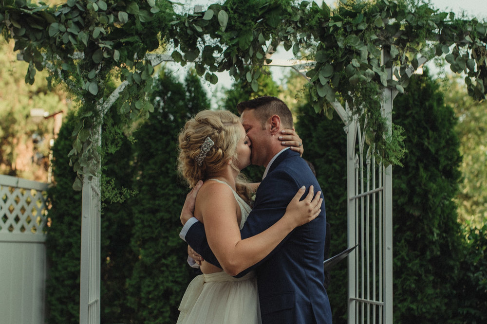 Wedgewood Sequoia Mansion wedding first kiss ceremony photo