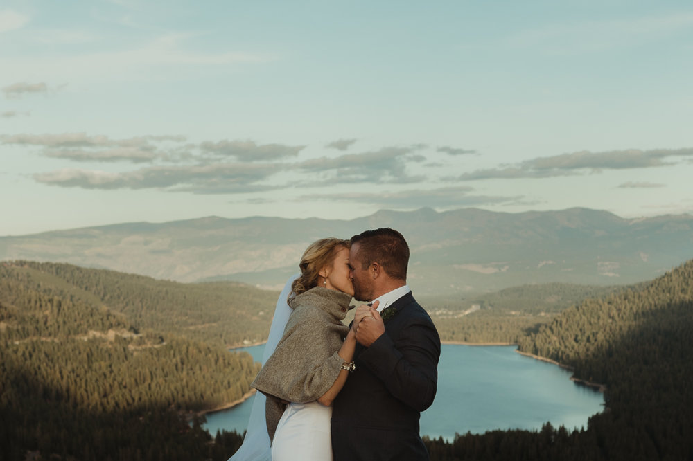 North Lake Tahoe wedding first kiss photo