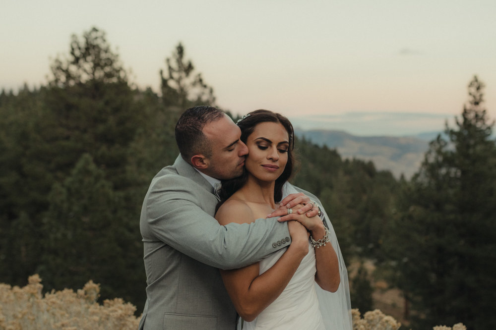 Tannenbaum Reno Venue Wedding couple hugging photo