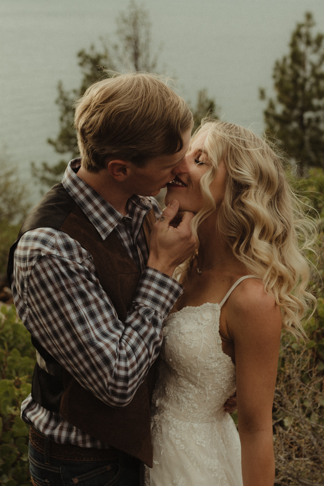 Lake Tahoe Wedding photographer photo of couple kissing