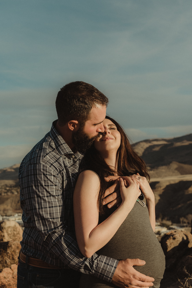 Reno maternity photographer