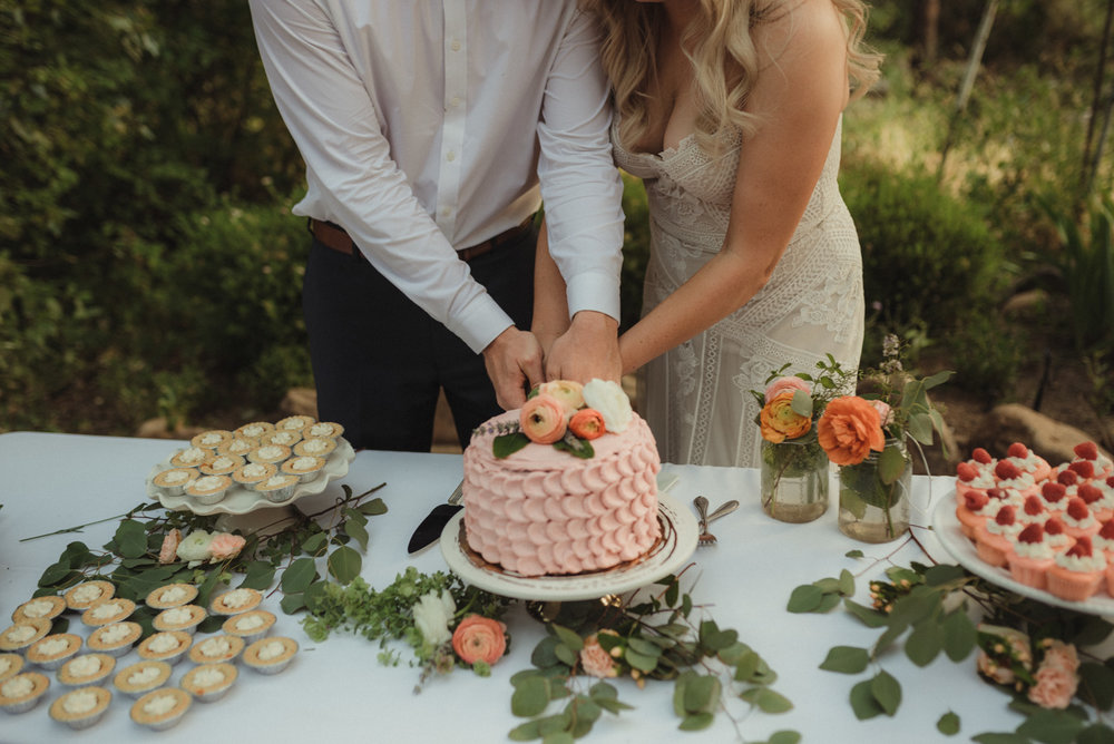 Twenty Mile House wedding cake inspo