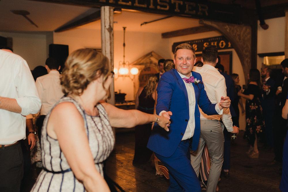 Triple S Ranch Wedding Venue, wedding party photo