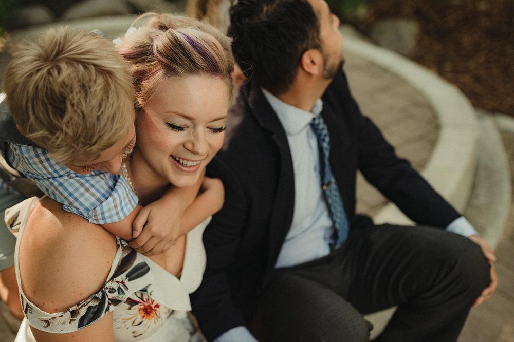 reno family photos: family laughing photo