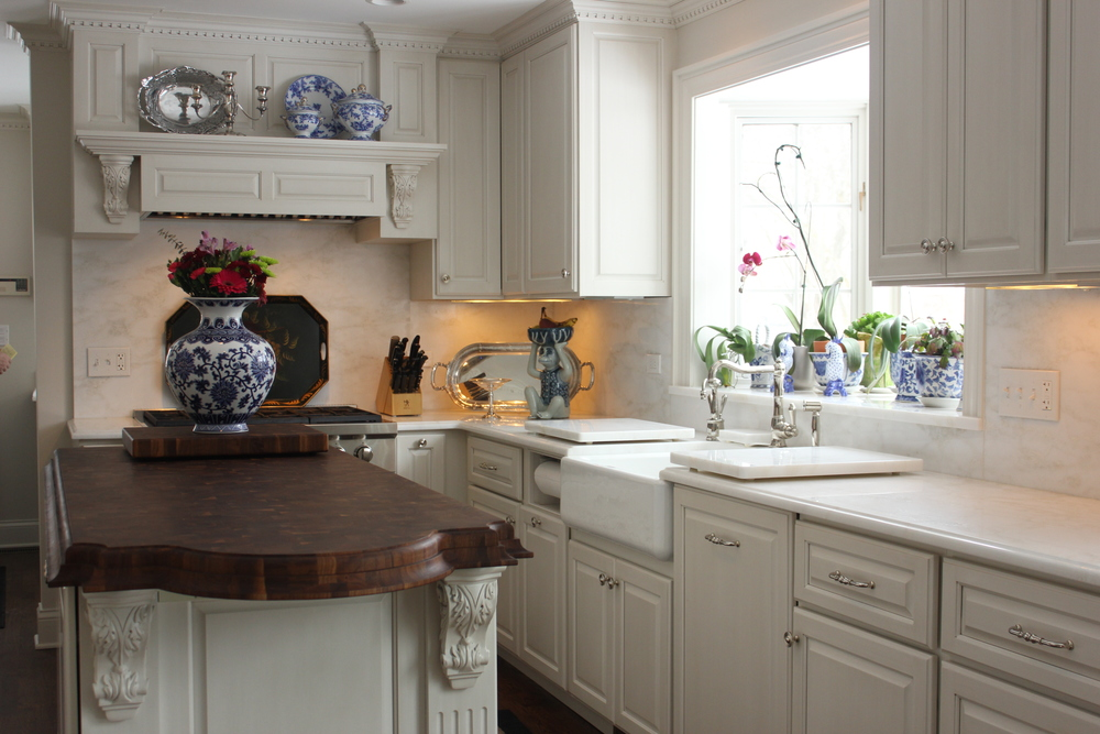 White w/ Glaze Kitchen