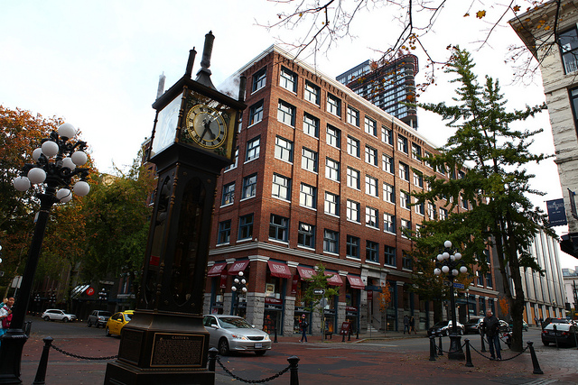 The ever popular photo opportunity: The Gastown Steam Clock. (GoToVan - Source)