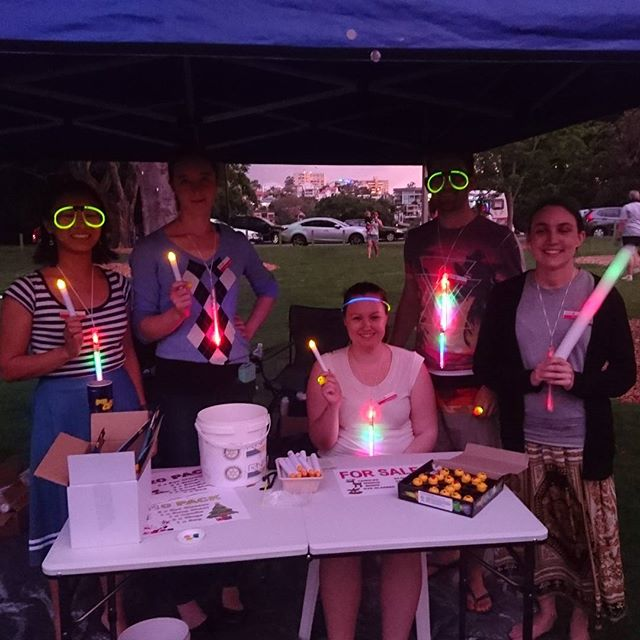 We had a nice Sunday afternoon volunteering with New Farm Rotary at the Rotary Light Up Carols. ______________________ Join us for tonight's meeting where we'll hear from two guest speakers from @canteen_aus!  5:30pm for 5:45pm at 123 Albert Street. PM if you're coming and we'll look out for you!  __________________ #Brisbane #Rotaractbriscbd #volunteer #community #CanTeen #helplearnenjoy #Rotaract #Rotary