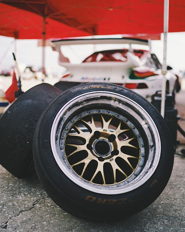 We're partial to the classic e28 for #wheelwednesday  Photo by @gmguinan  #BBS #E28 #Porsche #911 #993 #GT2 #HSR #HSRRace #BenzinGarage #BenzinRacing #BenzinandCo #Classic #Vintage #luftgekühlt #ClassicRacing #VintageRacing #SonyA7 #LeMans #Sebring @hsrrace