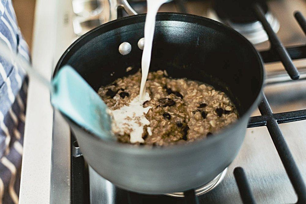 oats_pot_milk.jpg