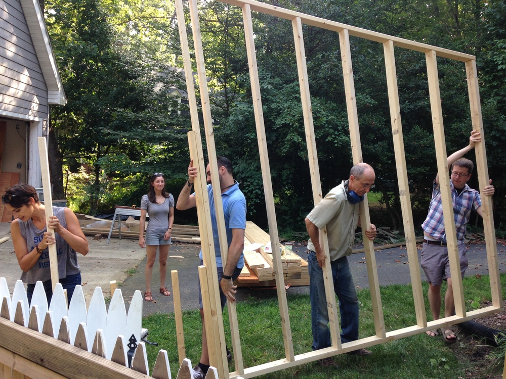 It was a wall raising party for the second weekend in a row, last weekend. I'm going to run out of people to help me with this soon...Michelle, Victoria, Hugo, Dad, and Chris - thank you!!