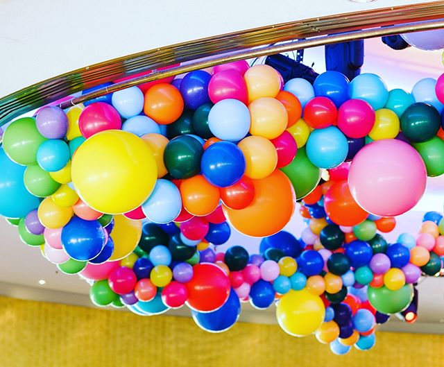 Did you say colour? We got it! How good is the aerial installation for @bayerofficial 🙌🏼 #aerialinstallation #balloonroof #willywonkaparty