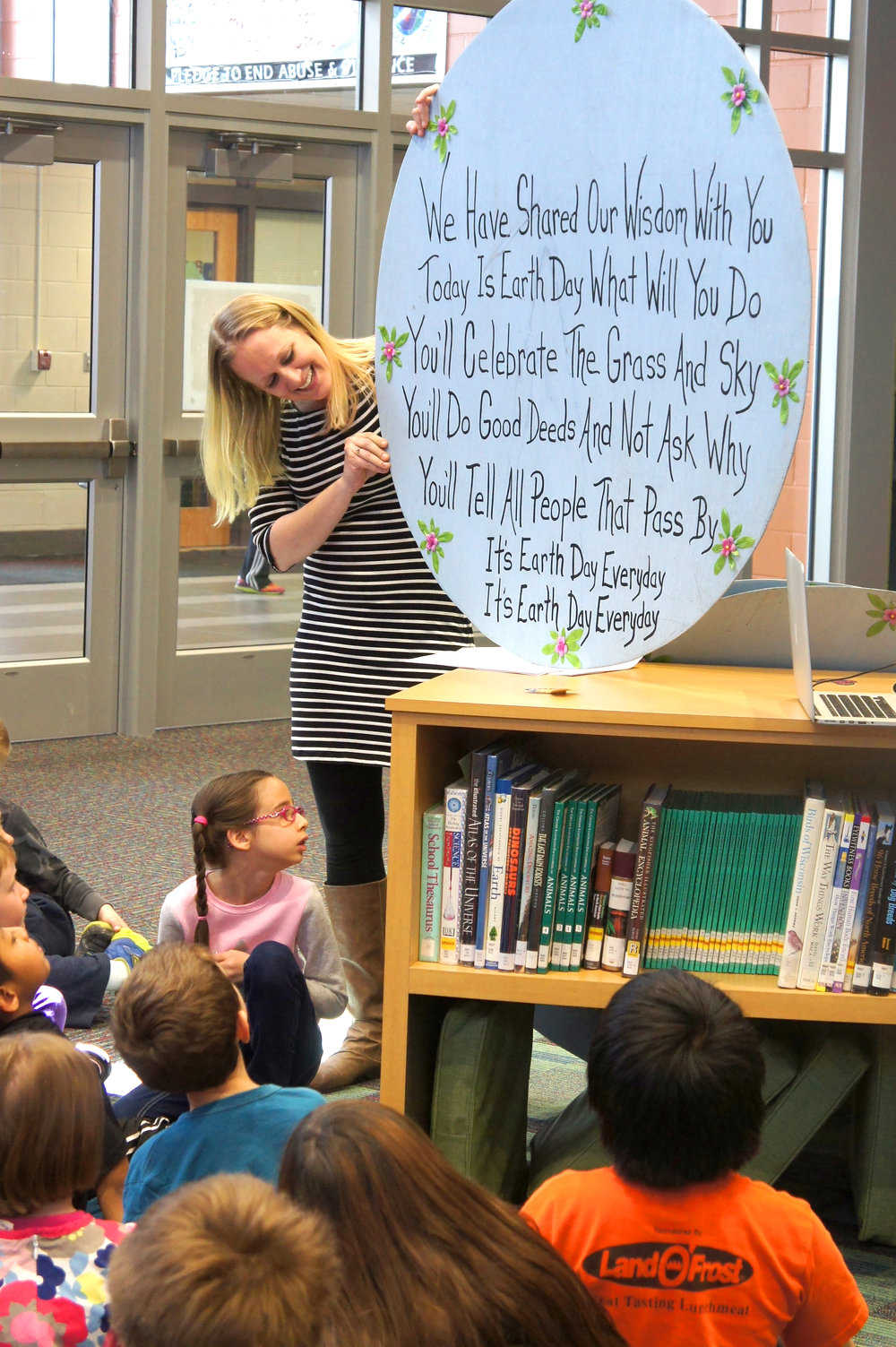 Early career teacher Tanya Staatz and her kindergarten students sing a song about Earth Day.
