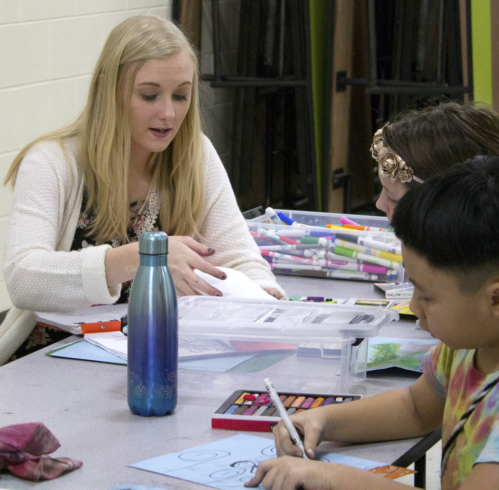 Autumn Stiller  UW-Stout Art Education INTERNSHIP: Arts and Crafts at the Boys and Girls Club  LOCATION: River Heights Elementary School