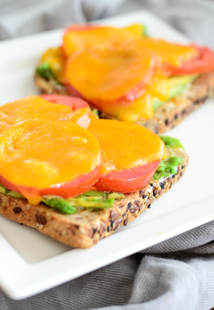 Avocado, Tomato and Cayenne Melts - Avocado, Tomato Sandwiches - www.mommatography.com