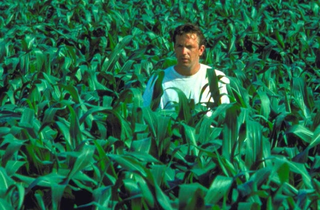 Field-of-Dreams-movie-still-1.jpg