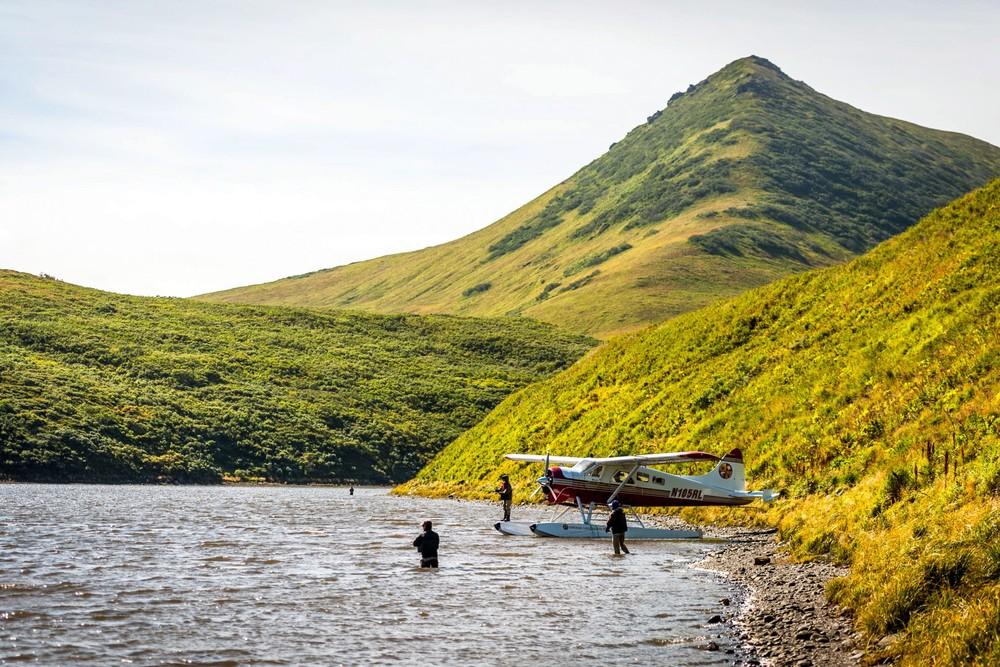 plane-people-fishing-karluk-river-rect-1920x1280.jpg