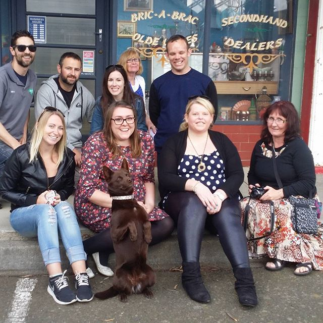 Had to put this photo up of last week when the very lucky #neighbours fans on the # officialneighbourstour got to meet the legend #bossythedog. Even got to see a sneak peek at the future as filming was happening just around the corner. #bunyiptours #greatday #ramsaystreet