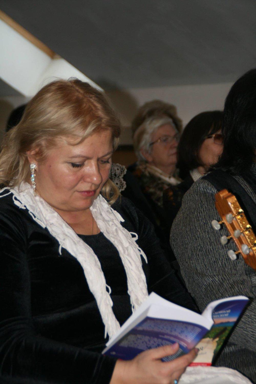 Член-корреспондент РАЕН, кандидат психологических наук, тренер О. Манолова