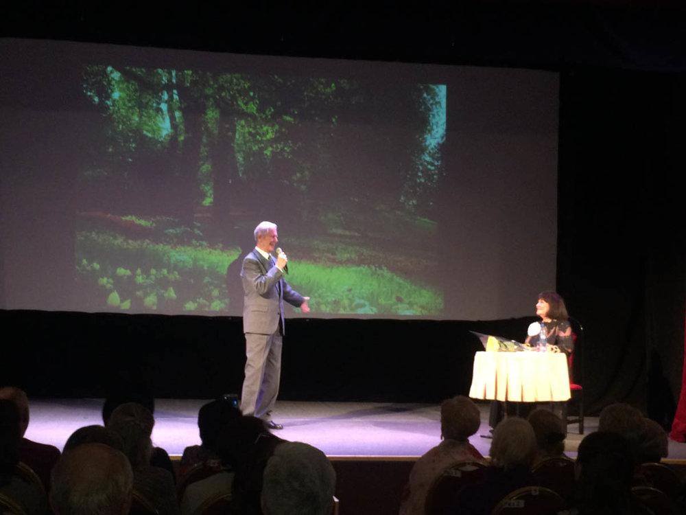 """Презентация книги """"Жизнь по вертикали"""" в Государственном Театре киноактера 14 апреля 2017 года."""